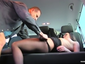 Naughty Wendy Moon likes fucking a hot guy in a back seat
