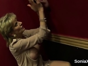 Unfaithful british mature lady sonia reveals her massive tit