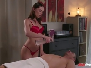 Aidra Fox treats a guy to a massage before a great fuck