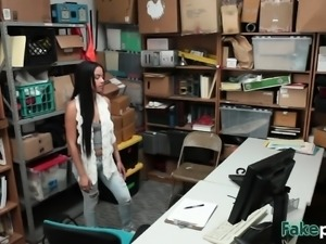 Thieves Maya And Bonnie Take Schlong In Office