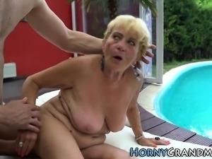 Wrinkly granny spunked