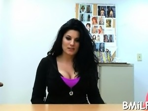 Lusty mamma receives her cunt screwed by a pulsating dick