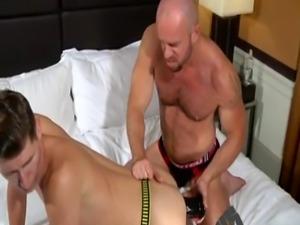 Gay porn guy chloroform xxx Matt liquidates his enormous fist and Dako
