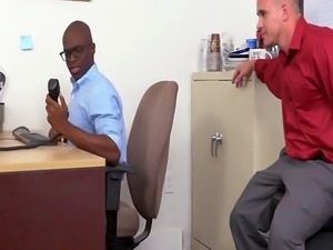 Bored dude at his office plays prank on coworker before fucking him