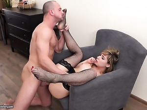 Blonde drops on her knees to be skull fucked