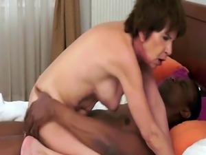 Masturbating grandma tugs