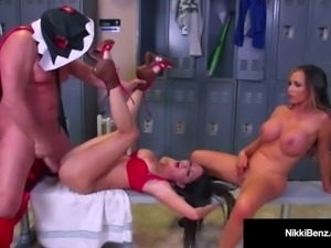 Nawty Nikki Benz & Jessica Jaymes Get Fucked By A Wrestler!