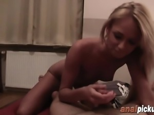 Hot blonde delights herself with big white schlong