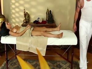 Gorgeous babe deepthroats masseurs hard cock