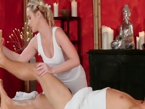 Dude fucks blonde masseuse after massage