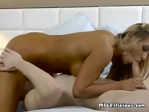 Mature Hoe Tegan James Gets Her Pussy Punished