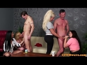Deepthroating CFNM milf shows how to suck