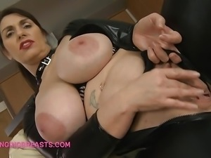 Lady Josephines splendid saggy tits