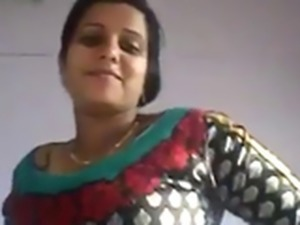 Indian Gf Boob flashing 2