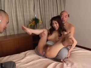 Japanese angel shows off cracking the butt in anal scenes