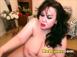 Horny mature housewife finger fucking on webcam