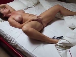 BBW getting herself off