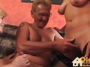 Threesome with oldies