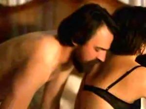 Elisabeth Moss  Merlynn Tong and Linda Ngo in sex scenes