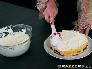 Brazzers - Milfs Like it Big -  Sweet Treat F