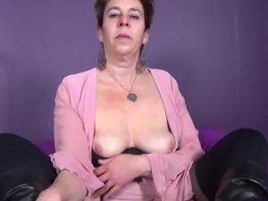 Mature kinky mother need a good fuck