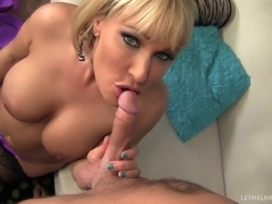 Super stacked slut in stockings get fucked in a steamy doggystyle pose