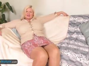 Hot mature chubbies european granny seductive solo compilation