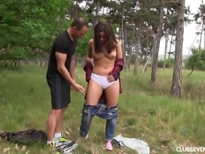 Outdoor face fuck and pussy draining with salacious Nikki