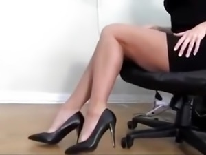 ULTIMATE RM SHOE DANGLE JOI
