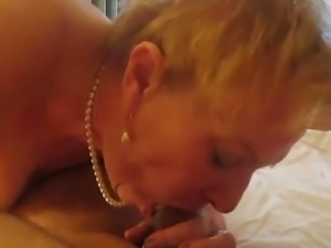 Aunt Sue wears pearls
