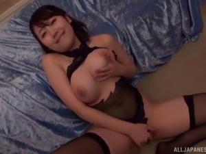 Kirishima Sakura loves being seduced by horny lovers