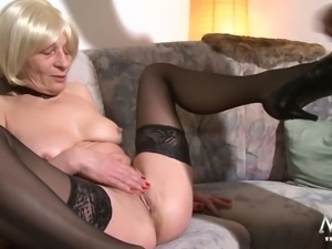 Old fuck hungry blondie in stockings fucks whit her old  hubby on sofa