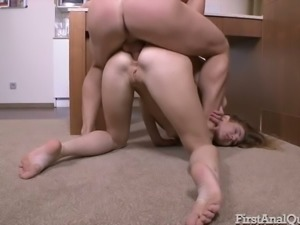 Pallid bitch Melissa Grand groans wild as her asshole is fucked doggy