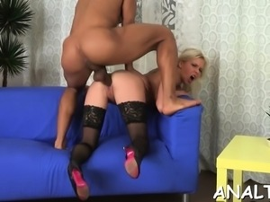 Hottie gets her twat and anal tunnel thoroughly drilled