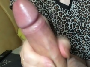 My amateur GF has a talent for fucking and she gives a perfect handjob