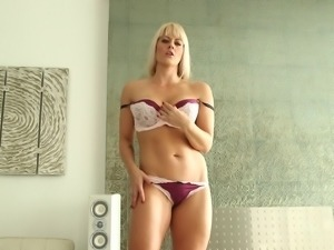 Blonde porn star with a great body sucking a stranger's big cock