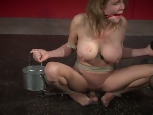 Some spanking and masturbation with a lustful whore Rain DeGrey