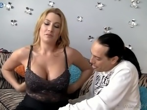 Fantastic Jennifer Best provides man with rimjob and titjob at once