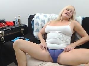 blonde lave her solo masturbate