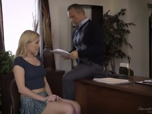 Horn-mad nympho lures her professor to get her wet pussy licked