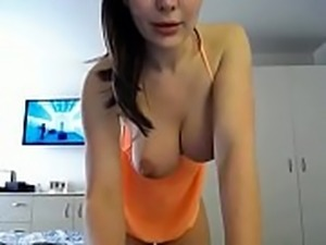 Sweet amateur showing exellent boobs and ass