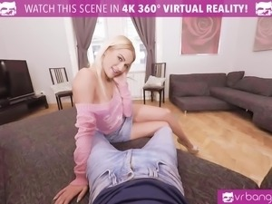 Cherry Kiss take a big dick in her ass