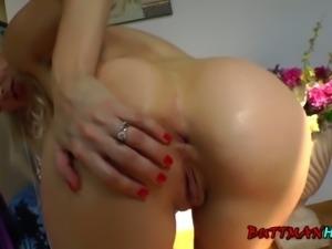 Mature slut Stacey teases the Buttman