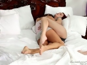 Lesbian Hitchhiker licking sweet pussy