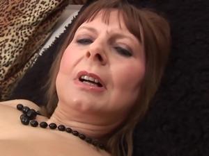 Fine ass mature Alexa screwing her anal using toy