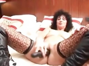 Sexy Milf in hot stockings