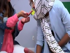 Cute muslim teen BJ Lessons with Mia Khalifa