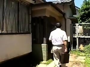 Japanese babe hot blowjob between friends