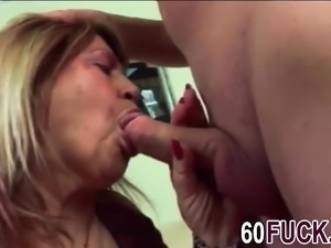 Chubby GILF gets pussy invaded by stud