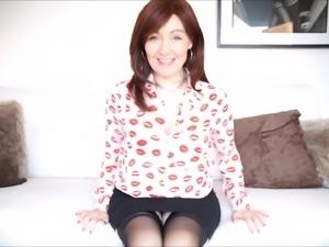 Pretty MILF Kitty Creamer spreads her legs for a fuck